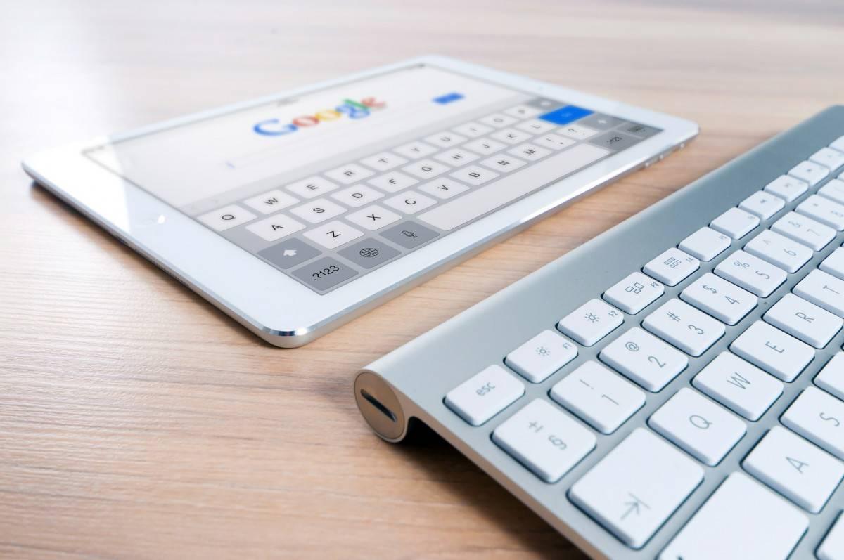 recherche Google sur tablette