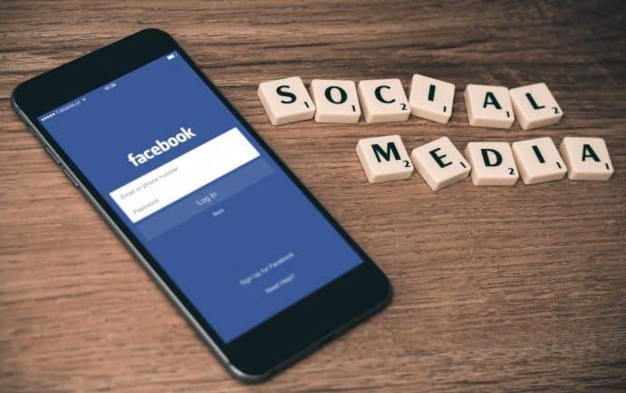 réseaux-sociaux-Facebook