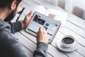 digital-marketing-navigation-tablette