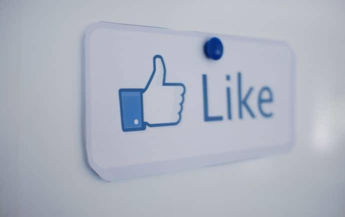 réseaux sociaux-facebook-mention-j'aime