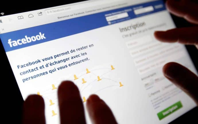 facebook - communication