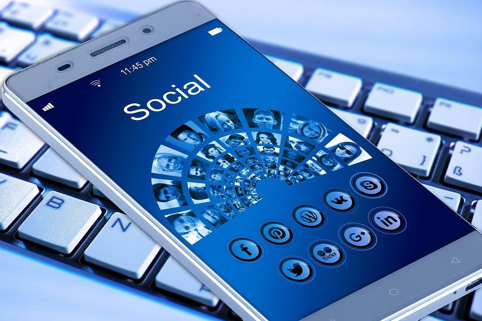 Annonceurs, il est plus que temps d'investir les réseaux sociaux !