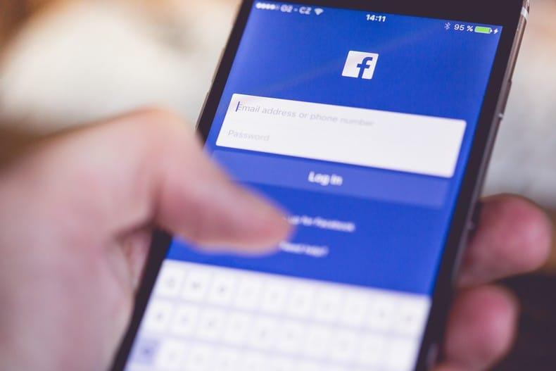 Les petites entreprises communiquent sur les réseaux sociaux